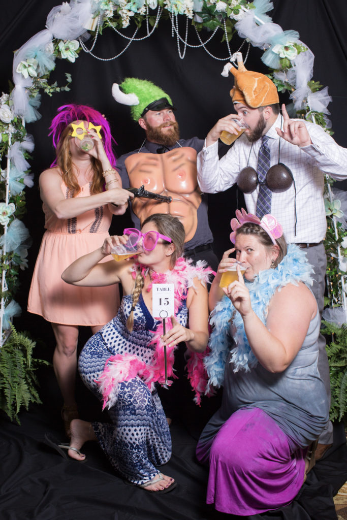034_luke_sara_wedding_photo_booth
