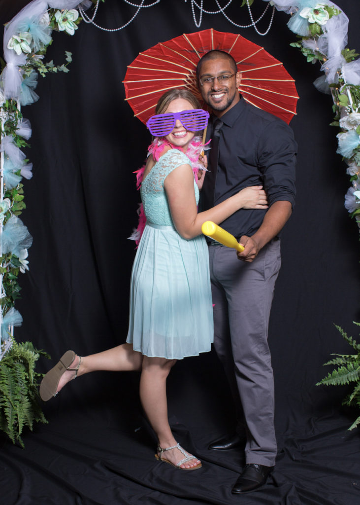 046_luke_sara_wedding_photo_booth