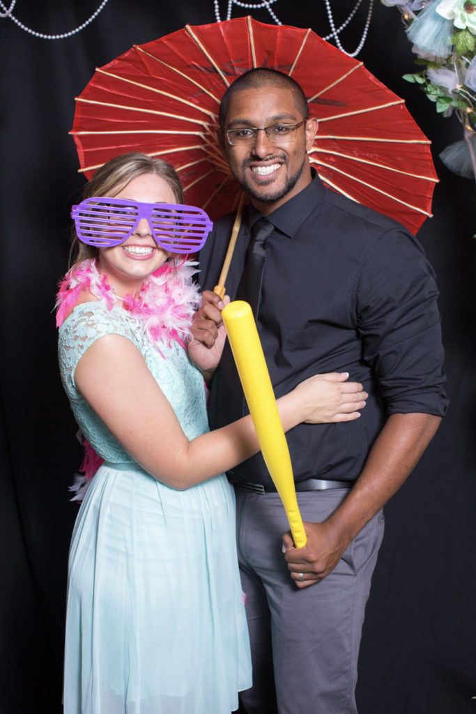047_luke_sara_wedding_photo_booth