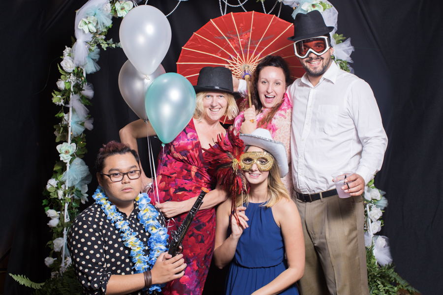 059_luke_sara_wedding_photo_booth