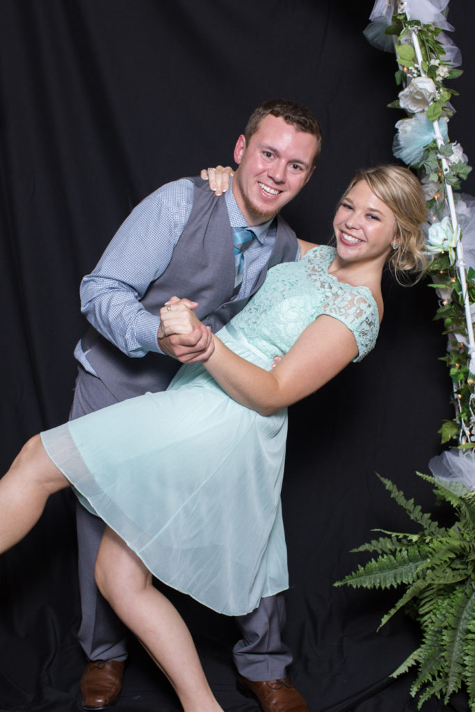 068_luke_sara_wedding_photo_booth