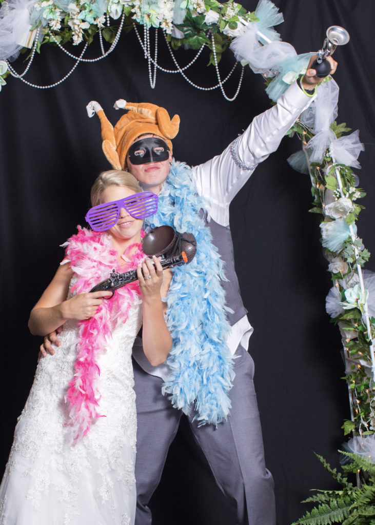 079_luke_sara_wedding_photo_booth